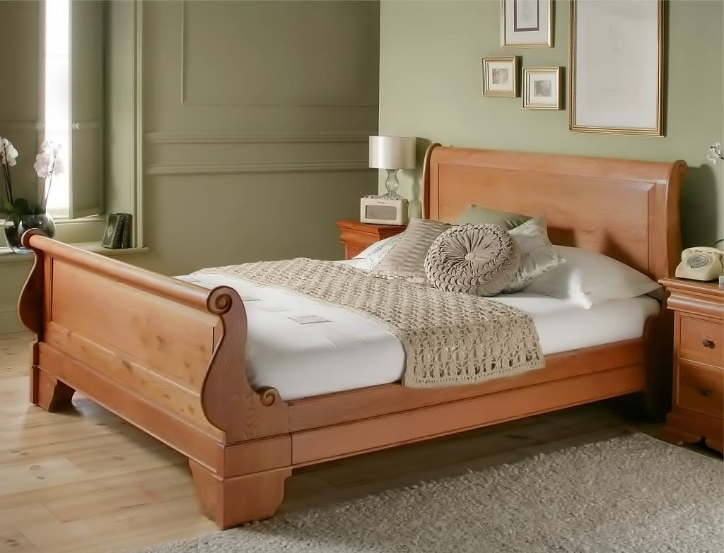 sleigh stylish elegance curved solid headboard and a footboard bed