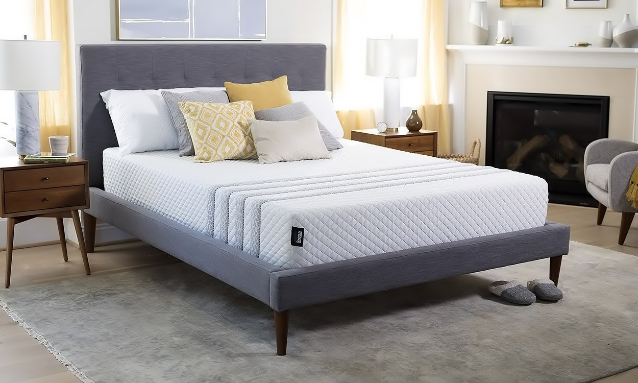 Leesa Sapira hybrid comfort and recovery layer Mattress