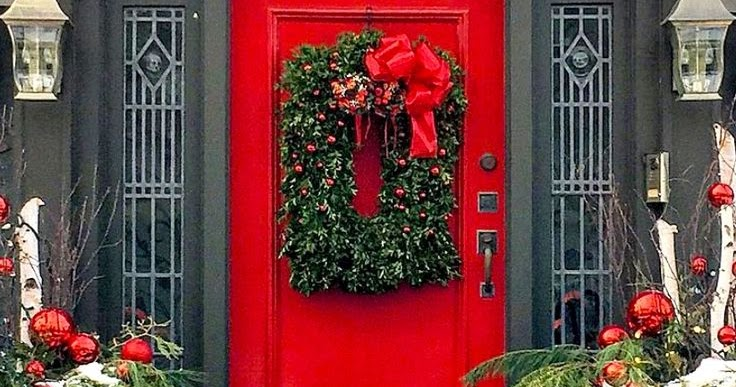 Scottish tradition for red door