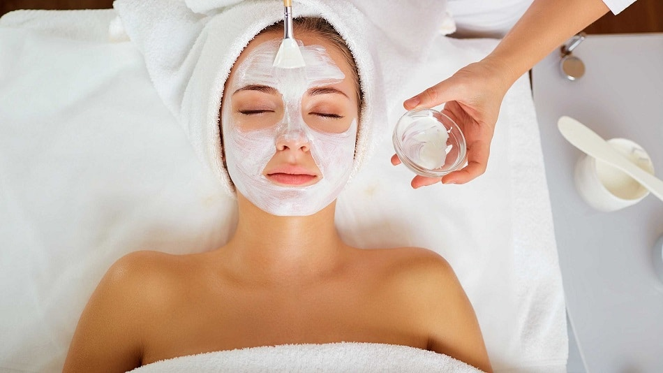 Facials for remove dark circle