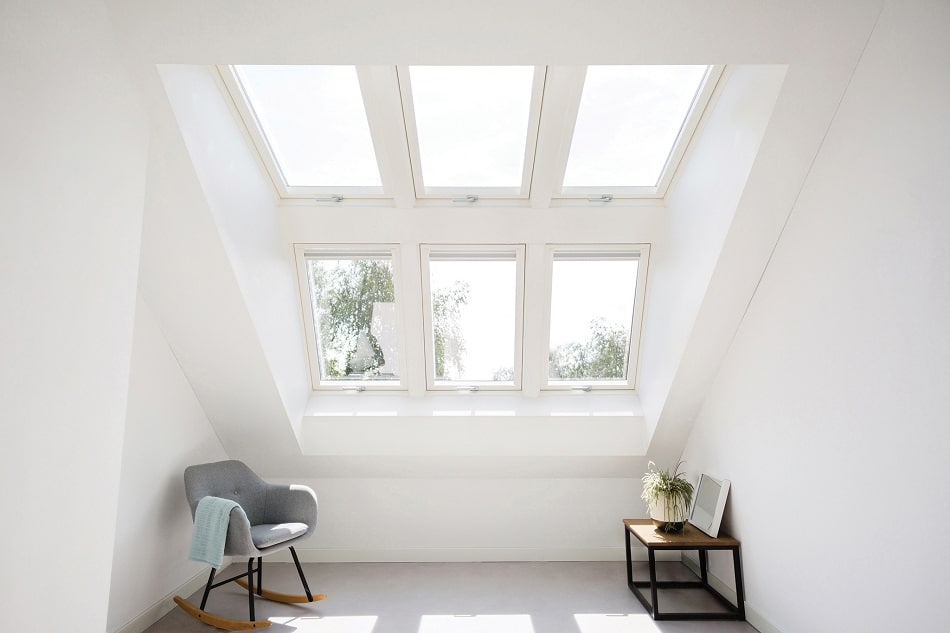 advantages of dormer window