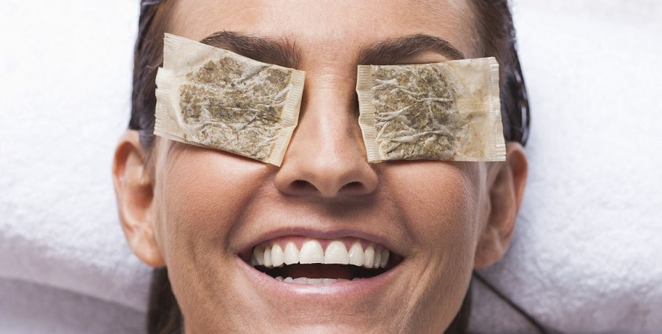 tea bags on eyes