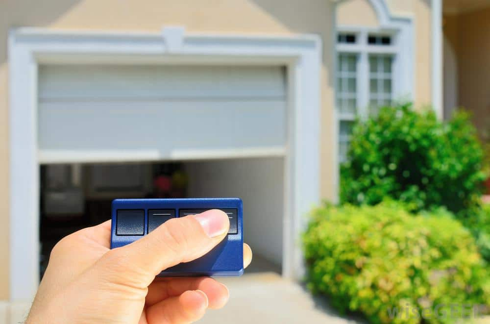 Rolling code technology for garage door opener