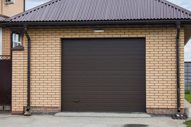 Single Door Garage
